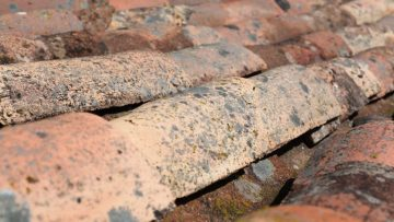 Signs Your Old Roof Needs to be Replaced